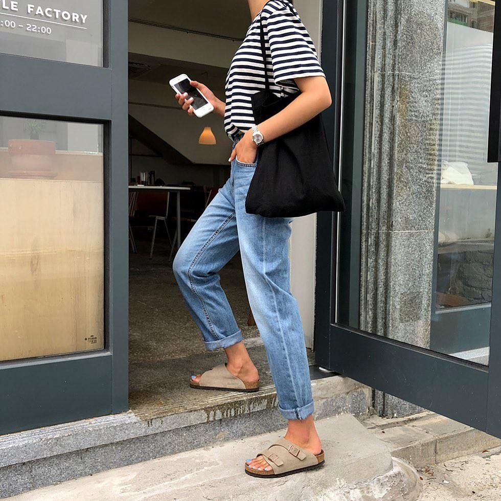 Bảo chứng cho vẻ sành điệu là combo áo phông – quần jeans với 15 ý tưởng diện mãi không biết chán này 9