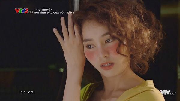 Còn nhớ trong bộ phim 'Mối tình đầu của tôi', hình tượng tóc xù, uốn dập sóng của Lan Ngọc cũng bị mọi người bảo là xấu và giả.