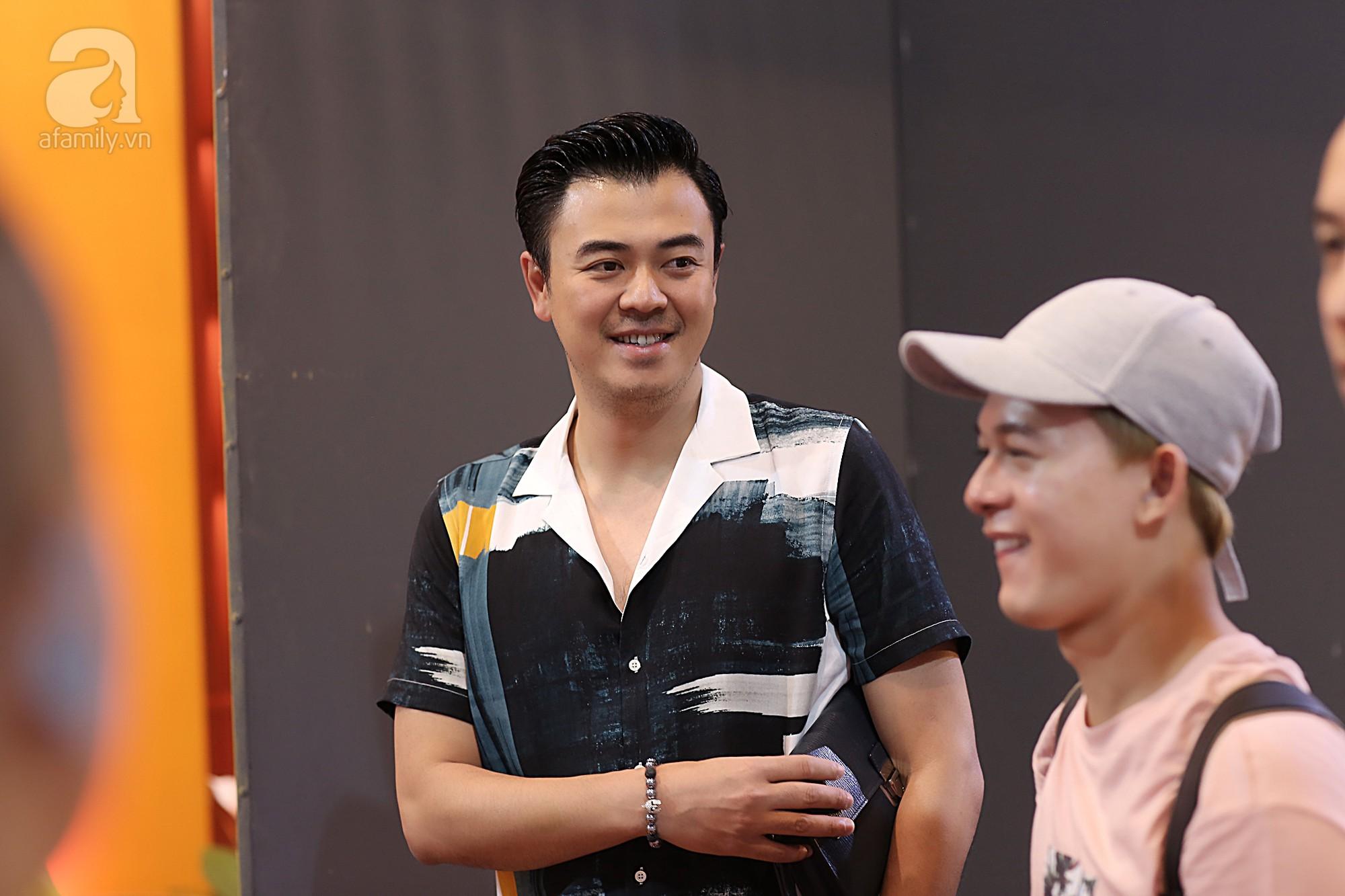 MC Tuấn Tú đã có màn trở lại xuất sắc trong 'Về nhà đi con'.