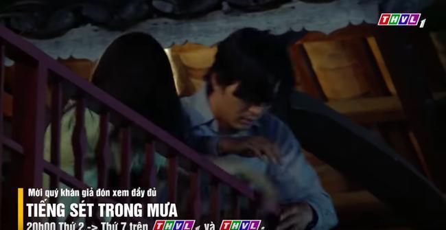 'Tiếng sét trong mưa': Vừa mới thú nhận ngủ với mẹ kế, con trai Thị Bình đã yêu luôn em gái, fan chỉ biết kêu trời 3