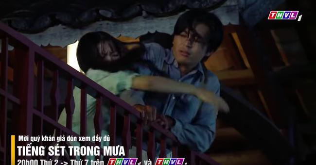 'Tiếng sét trong mưa': Vừa mới thú nhận ngủ với mẹ kế, con trai Thị Bình đã yêu luôn em gái, fan chỉ biết kêu trời 2