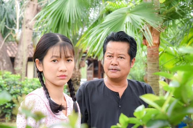 'Tiếng sét trong mưa': Vừa mới thú nhận ngủ với mẹ kế, con trai Thị Bình đã yêu luôn em gái, fan chỉ biết kêu trời 0