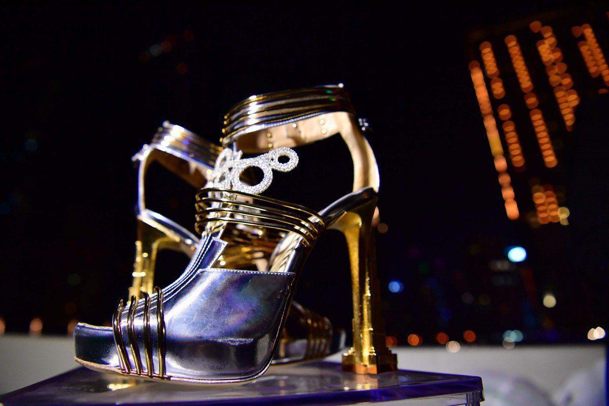 'Thánh nữ hàng hiệu' Ngọc Trinh có bạo chi đến đâu thì chắc cũng choáng váng khi nhìn giá đôi giày đắt nhất thế giới 4