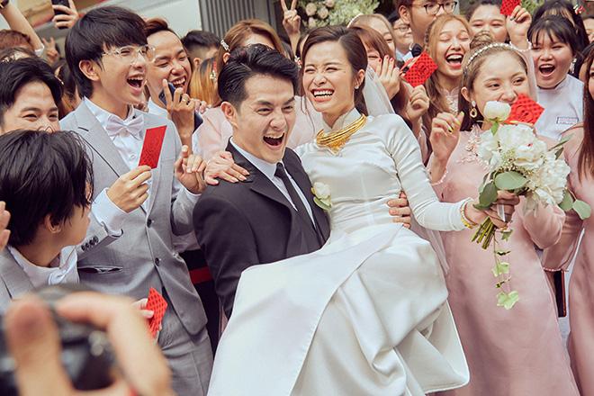Lễ vu quy của Đông Nhi và Ông Cao Thắng được tổ chức hoành tráng vào ngày 08/11.
