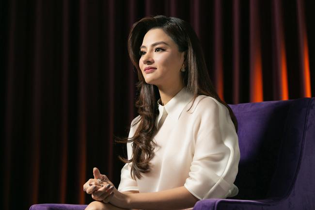 Vũ Thu Phương: Lấy chồng đại gia Campuchia, nuôi 2 con riêng, có mâu thuẫn là mời mẹ chồng - em chồng ra nói chuyện 8