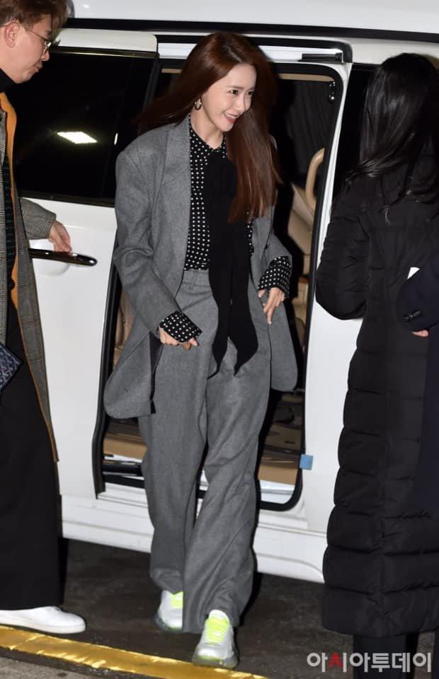 Nữ thần Yoona đến sự kiện thời trang với phong cách vô cùng cá tính