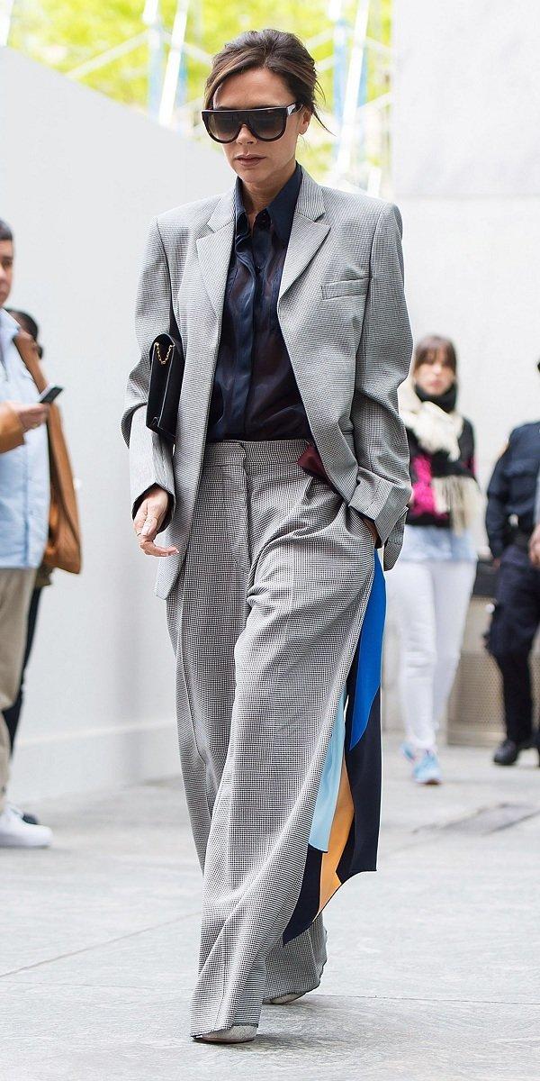 NTK Victoria Beckham là người tiên phong trong các dáng suit oversized xuyên suốt hơn nhiều năm nay trong các trang phục streetstyle của cô