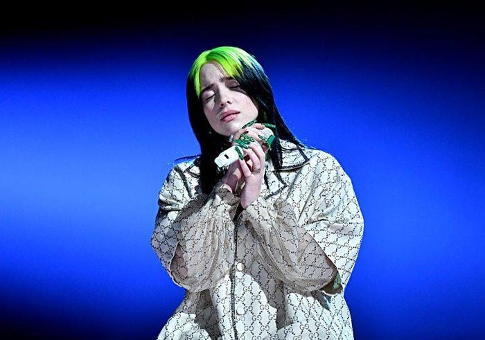 Billie Eilish tỏa sáng tại sân khấu Grammy 2020.