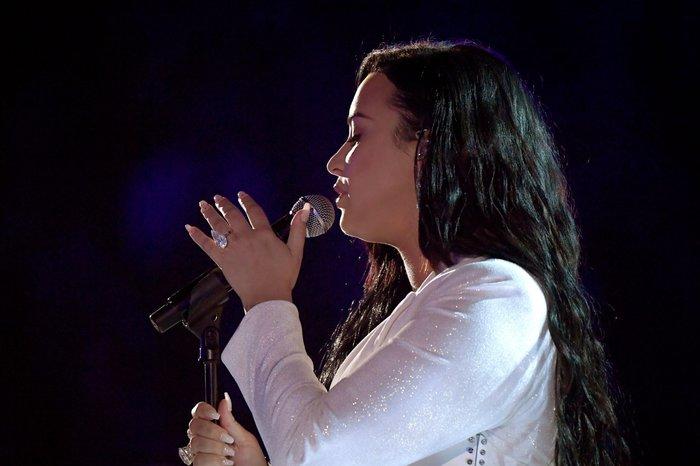 Ariana giật 'spotlight', đại diện châu Á BTS gây ấn tượng cùng loạt tiết mục cứu rỗi mùa Grammy 'thảm hoạ' 10