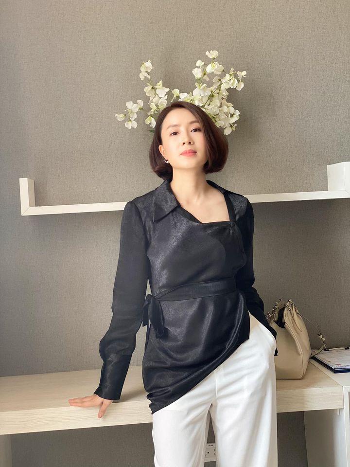 Street style của dàn diễn viên VTV: Linh và Tuệ Lâm cùng chọn váy dáng dài, Phương Oanh váy màu chóe 9