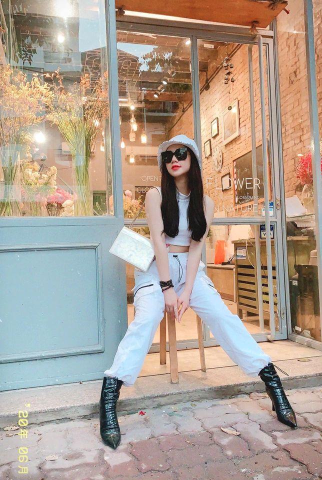 Street style của dàn diễn viên VTV: Linh và Tuệ Lâm cùng chọn váy dáng dài, Phương Oanh váy màu chóe 8