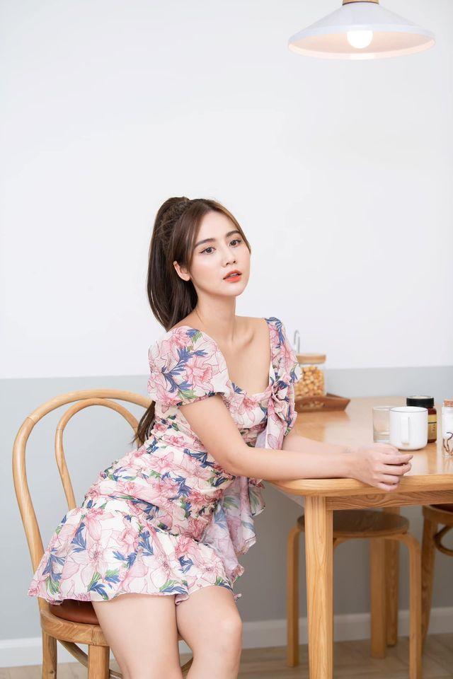Street style của dàn diễn viên VTV: Linh và Tuệ Lâm cùng chọn váy dáng dài, Phương Oanh váy màu chóe 13