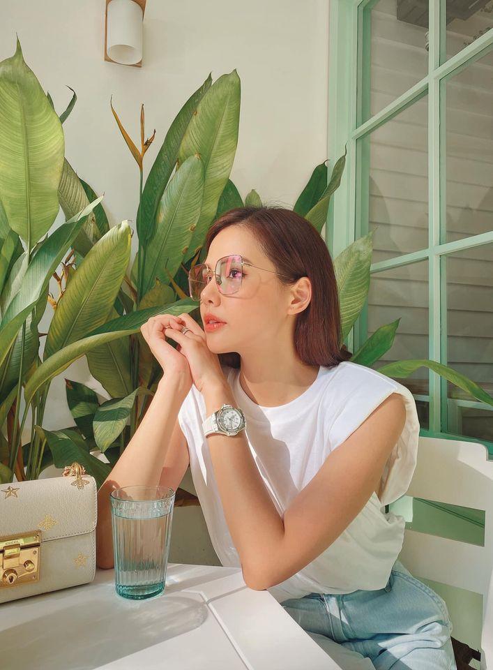 Street style của dàn diễn viên VTV: Linh và Tuệ Lâm cùng chọn váy dáng dài, Phương Oanh váy màu chóe 15