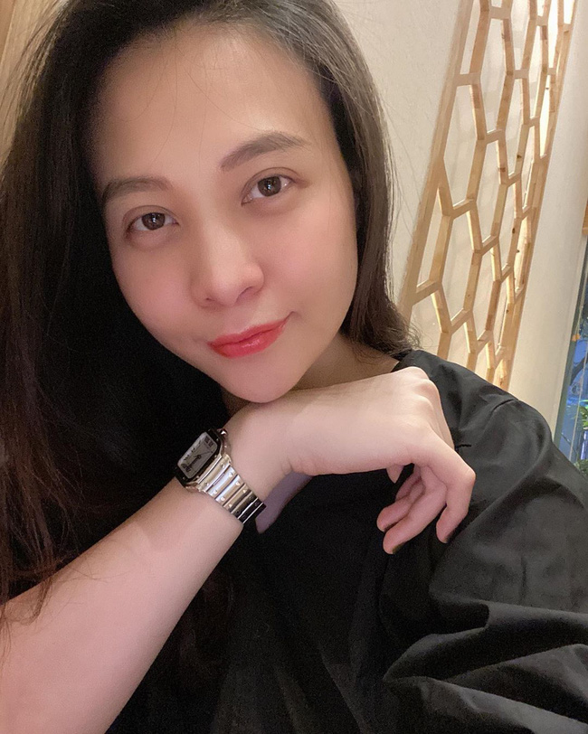 Mẹ 'bỉm sữa' Đàm Thu Trang công khai mặt mộc, lộ bọng mắt mệt mỏi thiếu ngủ sau hơn 1 tháng sinh con 0