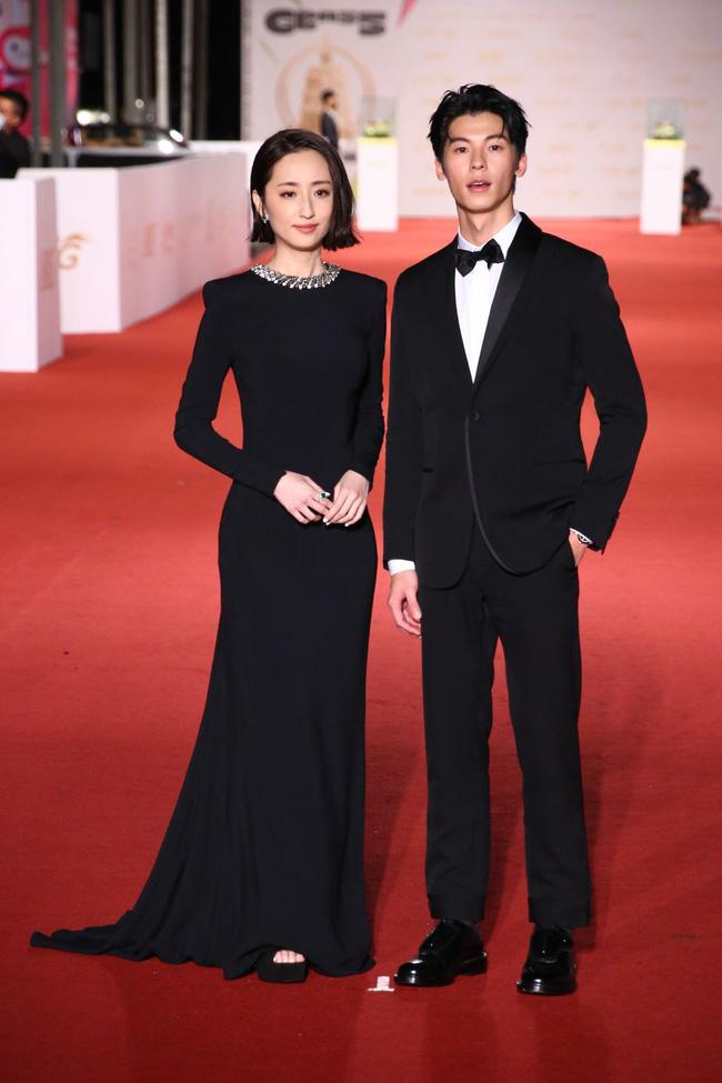 Thảm đỏ lễ trao giải Kim Chung lần thứ 55: Dàn mỹ nhân xứ Đài diện đầm quyến rũ tới mấy cũng hoàn toàn lu mời trước mỹ nam diện váy 1