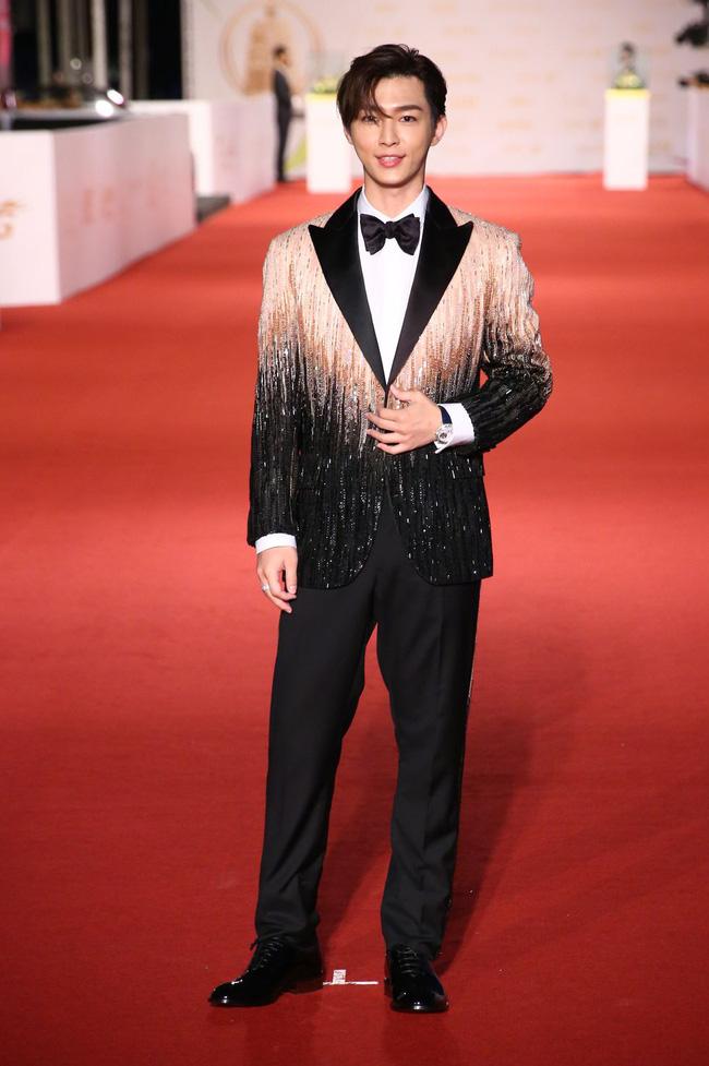 Thảm đỏ lễ trao giải Kim Chung lần thứ 55: Dàn mỹ nhân xứ Đài diện đầm quyến rũ tới mấy cũng hoàn toàn lu mời trước mỹ nam diện váy 8