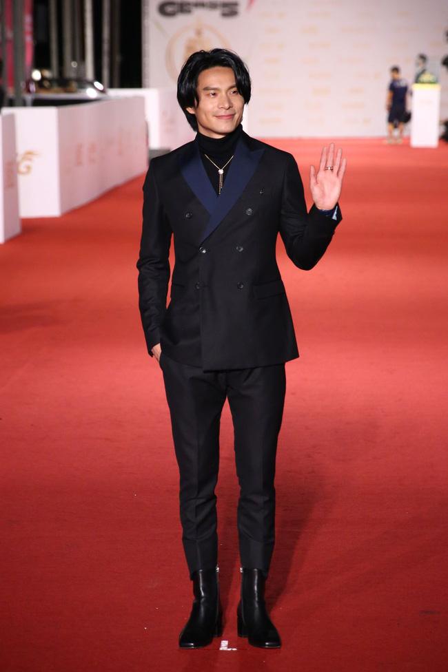 Thảm đỏ lễ trao giải Kim Chung lần thứ 55: Dàn mỹ nhân xứ Đài diện đầm quyến rũ tới mấy cũng hoàn toàn lu mời trước mỹ nam diện váy 6