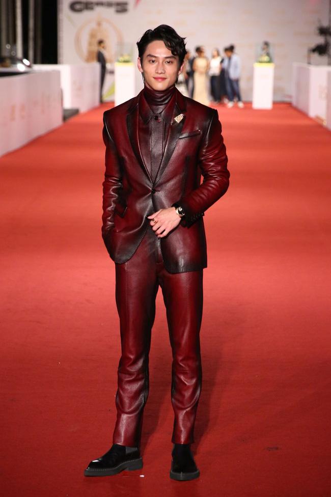 Thảm đỏ lễ trao giải Kim Chung lần thứ 55: Dàn mỹ nhân xứ Đài diện đầm quyến rũ tới mấy cũng hoàn toàn lu mời trước mỹ nam diện váy 12