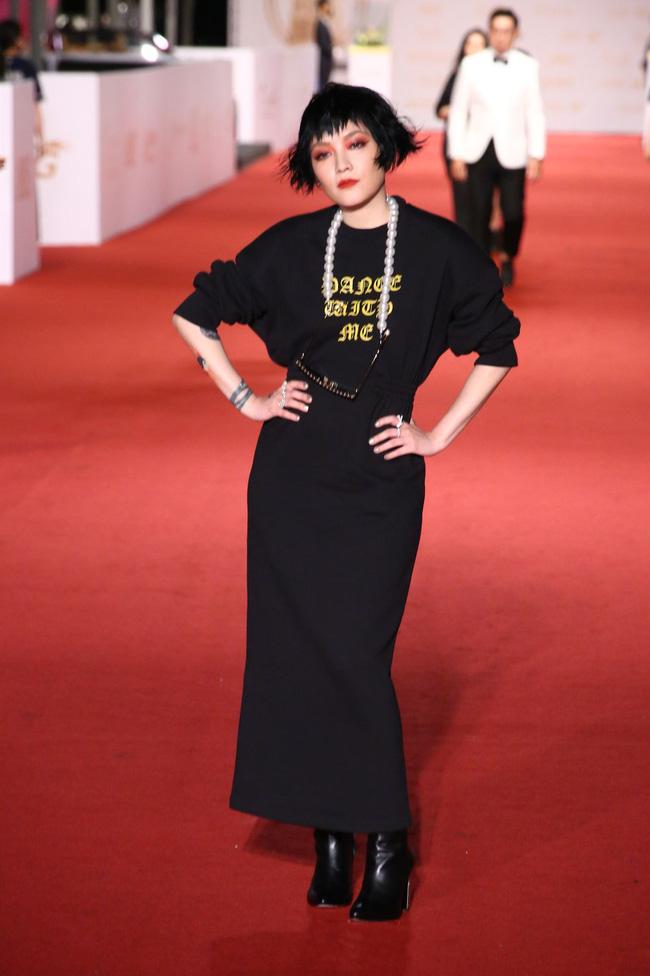 Thảm đỏ lễ trao giải Kim Chung lần thứ 55: Dàn mỹ nhân xứ Đài diện đầm quyến rũ tới mấy cũng hoàn toàn lu mời trước mỹ nam diện váy 13