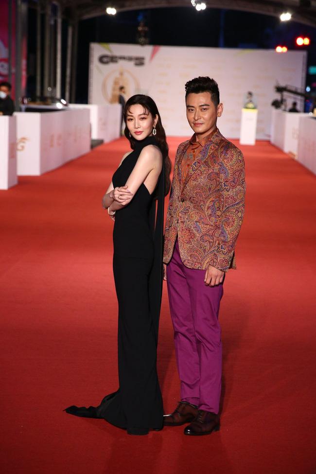 Thảm đỏ lễ trao giải Kim Chung lần thứ 55: Dàn mỹ nhân xứ Đài diện đầm quyến rũ tới mấy cũng hoàn toàn lu mời trước mỹ nam diện váy 16