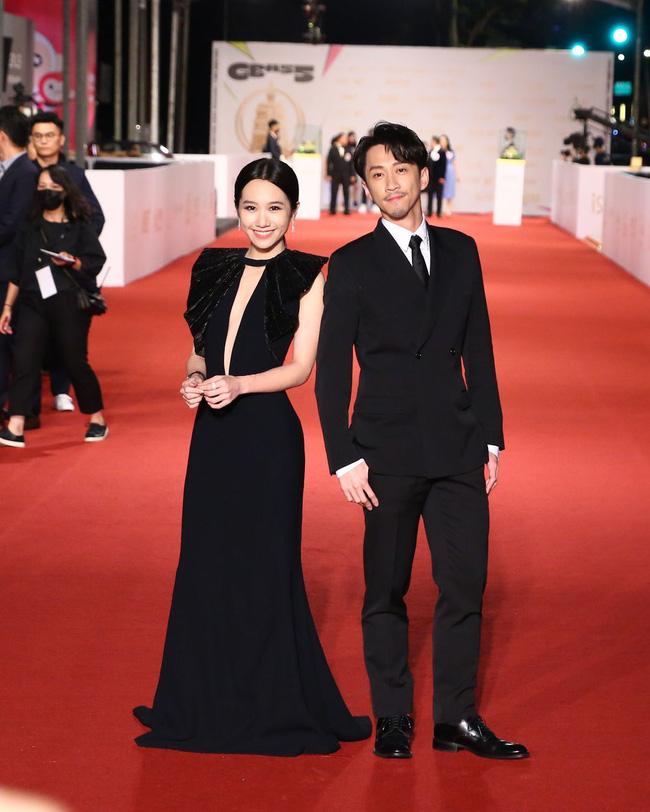 Thảm đỏ lễ trao giải Kim Chung lần thứ 55: Dàn mỹ nhân xứ Đài diện đầm quyến rũ tới mấy cũng hoàn toàn lu mời trước mỹ nam diện váy 14