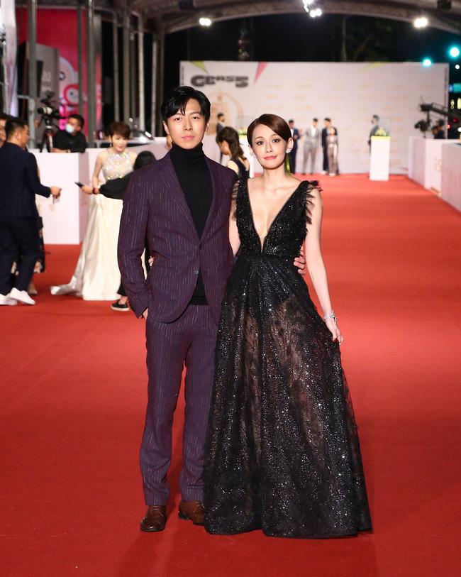 Thảm đỏ lễ trao giải Kim Chung lần thứ 55: Dàn mỹ nhân xứ Đài diện đầm quyến rũ tới mấy cũng hoàn toàn lu mời trước mỹ nam diện váy 18