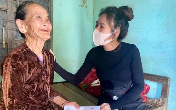 Phỏng vấn nóng vợ chồng Lý Hải - Minh Hà sau chuyến cứu trợ: Bày tỏ suy nghĩ về Thủy Tiên, tiết lộ cách minh bạch tiền ủng hộ 2