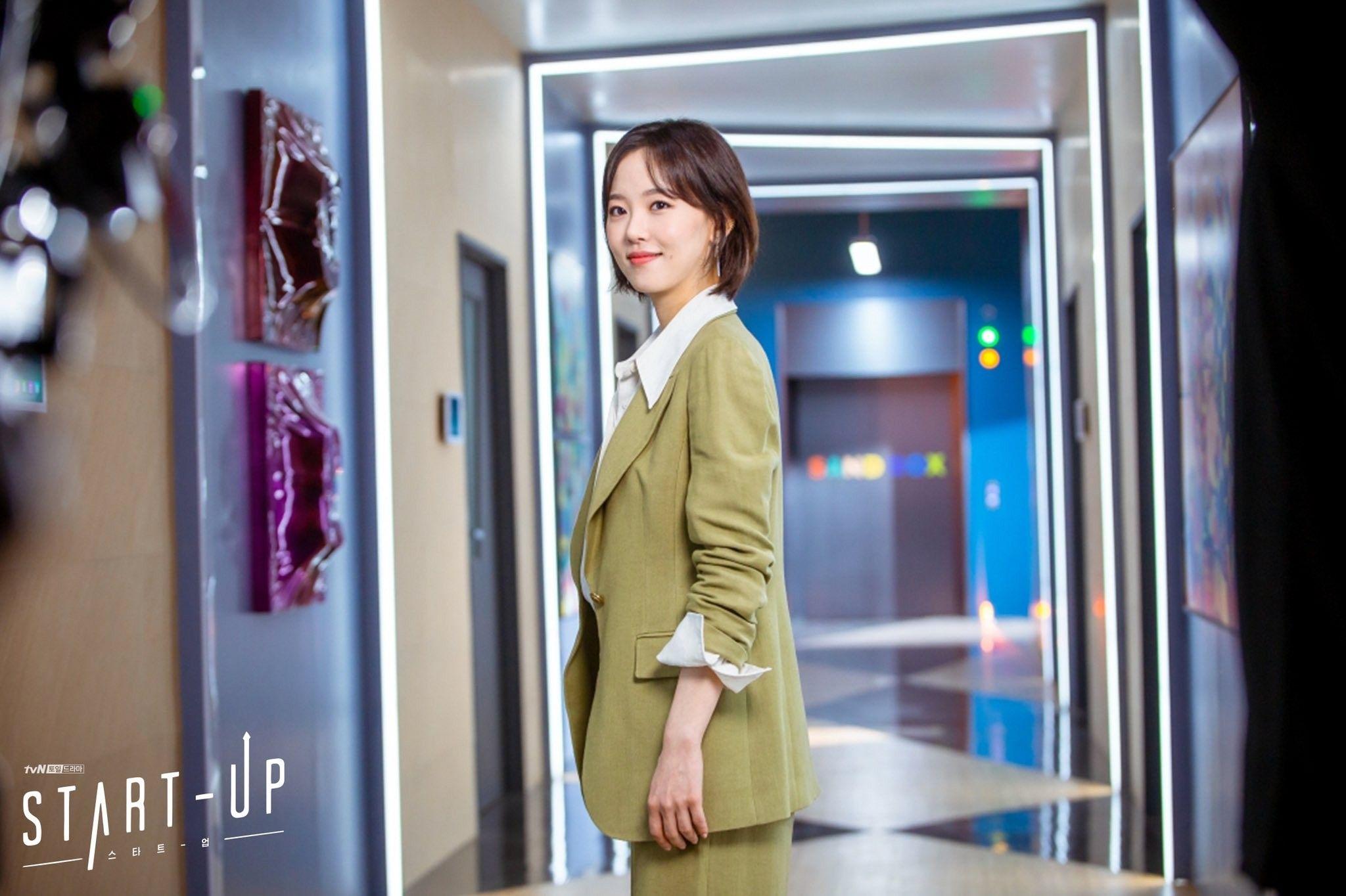 5 kiểu áo khoác chưa bao giờ hết mốt trong phim Hàn, sắm đủ thì bạn sẽ mặc đẹp và sang hơn hẳn mùa lạnh năm ngoái 7