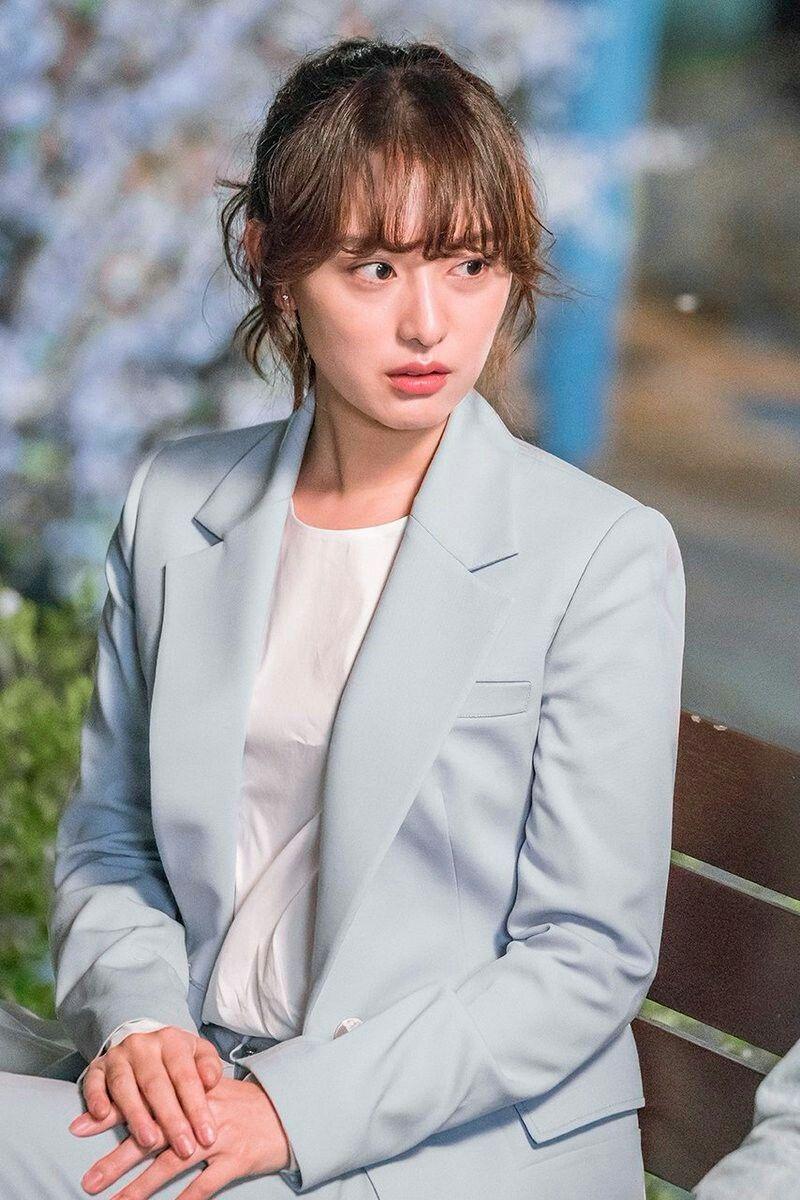 5 kiểu áo khoác chưa bao giờ hết mốt trong phim Hàn, sắm đủ thì bạn sẽ mặc đẹp và sang hơn hẳn mùa lạnh năm ngoái 6