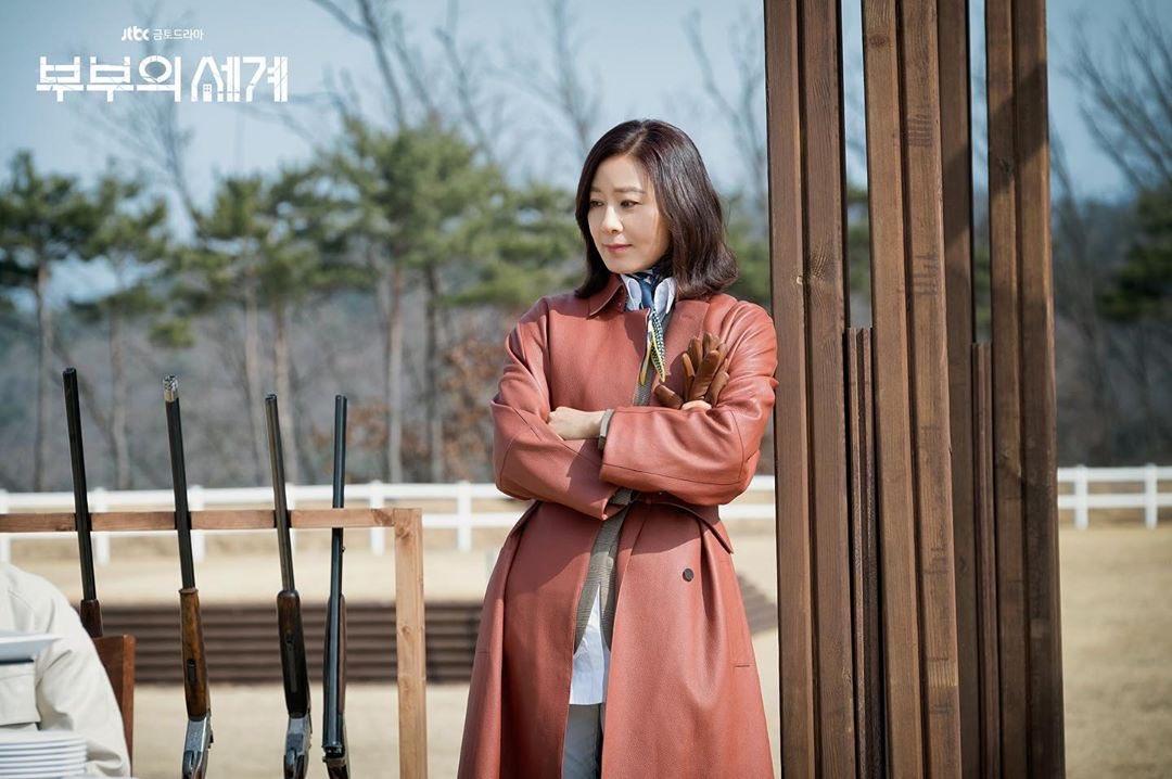 5 kiểu áo khoác chưa bao giờ hết mốt trong phim Hàn, sắm đủ thì bạn sẽ mặc đẹp và sang hơn hẳn mùa lạnh năm ngoái 17