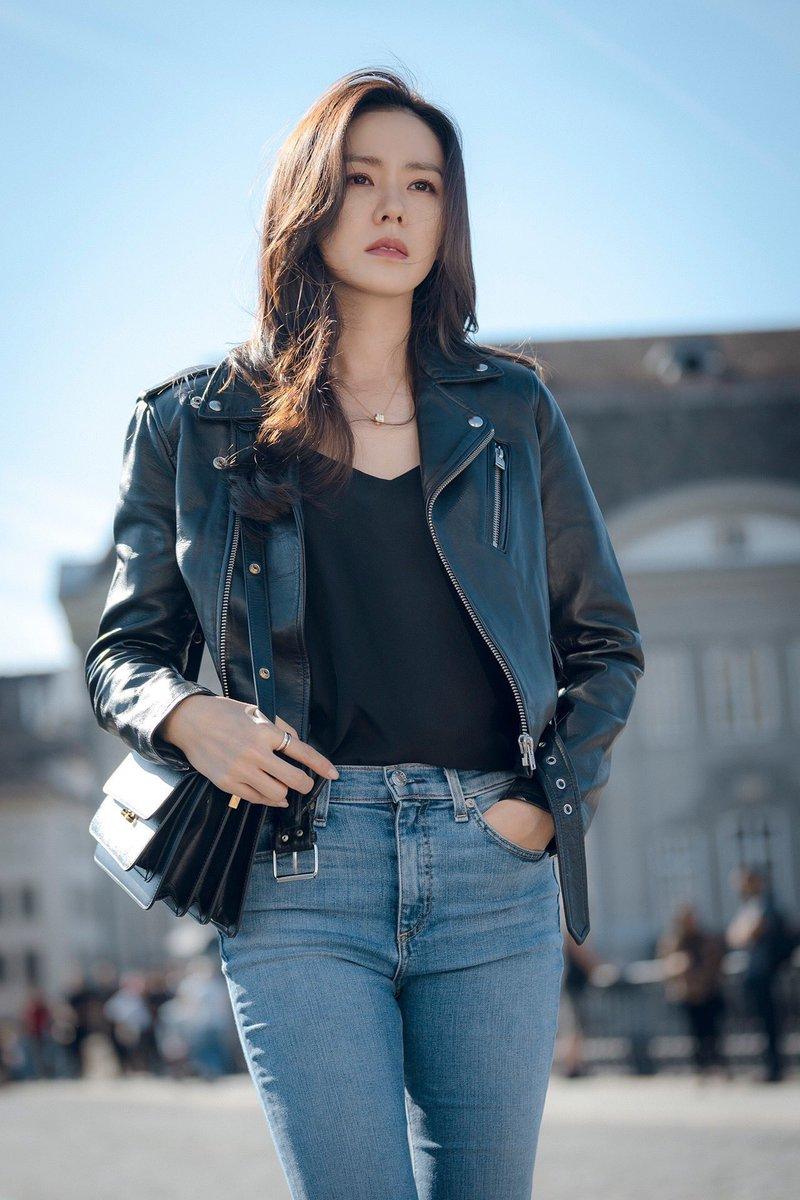 5 kiểu áo khoác chưa bao giờ hết mốt trong phim Hàn, sắm đủ thì bạn sẽ mặc đẹp và sang hơn hẳn mùa lạnh năm ngoái 16
