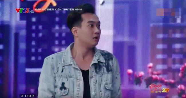 Cười ngất khi xem Hồng Diễm - Anh Tuấn đóng lại cảnh 'Dượng gặp Quỳnh' trong 'Quỳnh búp bê' 5