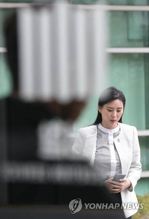 SBS câu giờ công khai danh tính toàn bộ chatroom của Seungri để dìm vụ sao nữ 'Vườn sao băng' tự tử? 10
