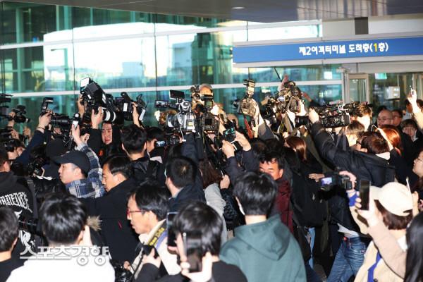 SBS câu giờ công khai danh tính toàn bộ chatroom của Seungri để dìm vụ sao nữ 'Vườn sao băng' tự tử? 12