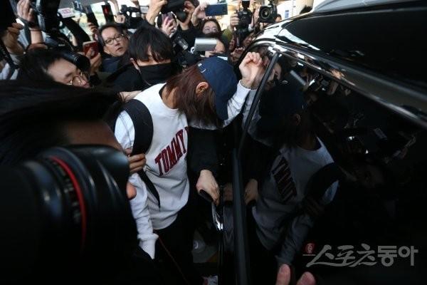 SBS câu giờ công khai danh tính toàn bộ chatroom của Seungri để dìm vụ sao nữ 'Vườn sao băng' tự tử? 13
