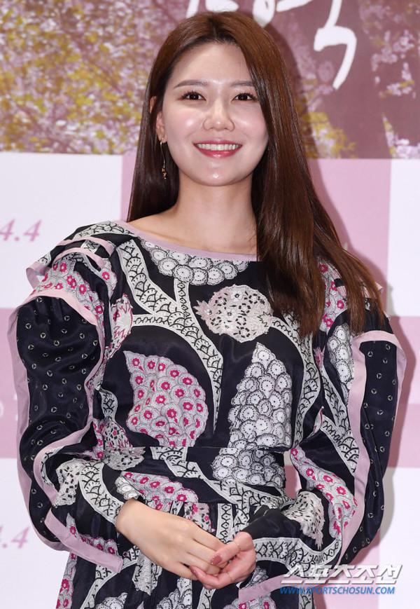 Thần tượng đóng phim: Ahn So Hee và Soo Young bị K-net chê tơi tả về diễn xuất 5