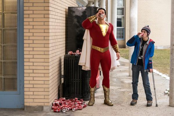'Shazam!' dẫn đầu phòng vé với 53 triệu USD, là phim DCEU có doanh thu mở màn Bắc Mỹ thấp nhất lịch sử 3
