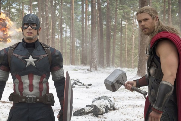 Captain America và Thor trong 'Avengers: Age of Ultron'.