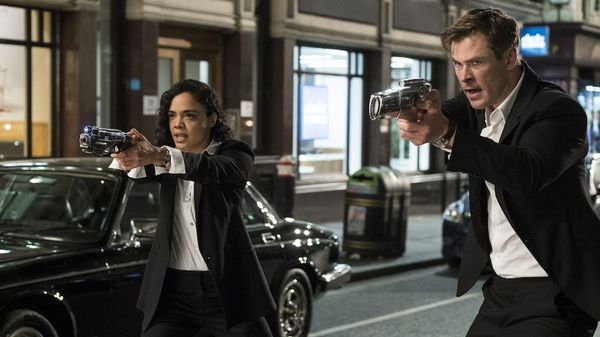 Ở phần phim này, Chris Hemsworth và Tessa Thompson sẽ vào vai chính, thay thế cho Will Smith và Tommy Lee Jones.