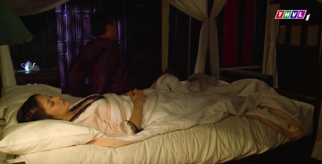 'Tiếng sét trong mưa': Mặc áo ngủ cực sexy mà Khải Duy không màng tới, bảo sao Hạnh Nhi không ngoại tình 2