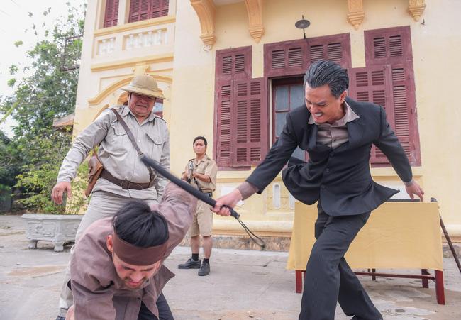 'Tiếng sét trong mưa': Gây sốc với cảnh đánh vợ, đánh con trai suýt chết, Khải Duy - Cao Minh Đạt giãi bày 0