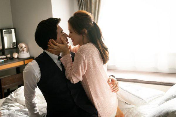 Phim tạo ra 'cú nổ' lớn tại Hàn, Jang Nara tiết lộ xấu hổ vì phải diễn cảnh hôn đầy mùi mẫn với nam chính 3