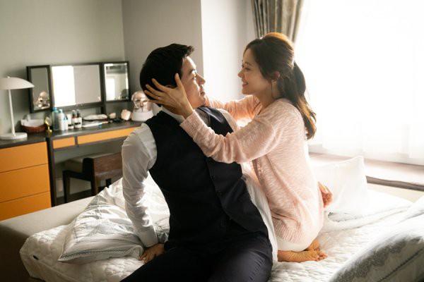 Phim tạo ra 'cú nổ' lớn tại Hàn, Jang Nara tiết lộ xấu hổ vì phải diễn cảnh hôn đầy mùi mẫn với nam chính 4
