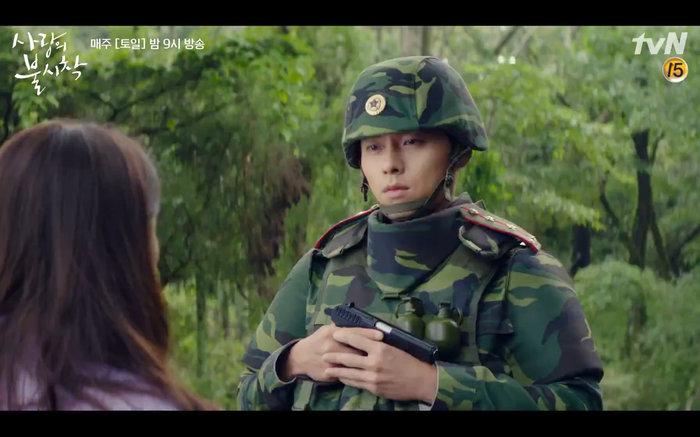 'Hạ cánh nơi anh' tập 1: Son Ye Jin bất ngờ tỏ tình với Hyun Bin khi đang khổ sở chạy trốn khỏi sự truy sát 18