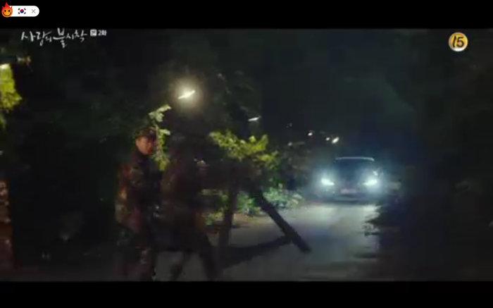 'Hạ cánh nơi anh' tập 2: Son Ye Jin bị quân đội bắt giữ, Hyun Bin vội nhận vơ là vợ sắp cưới 21