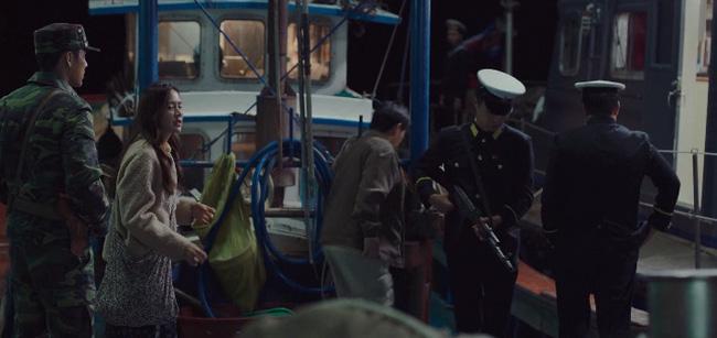 Vị hải quan yêu cầu Se Ri và Jung Hyuk phải quay về Bắc Hàn khiến kế hoạch trốn thoát sụp đổ.