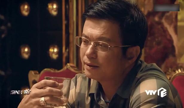 'Sinh tử' tập 39: Tưởng rằng Quỳnh Nga chỉ cặp kè cùng Chí Nhân, hóa ra cô nàng còn 'lên giường' với cả Việt Anh 2