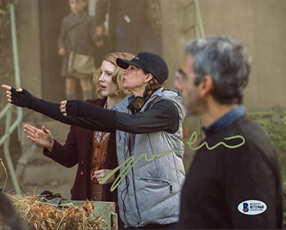 Niki Caro trên phim trường của phim điện ảnh Hoa Mộc Lan