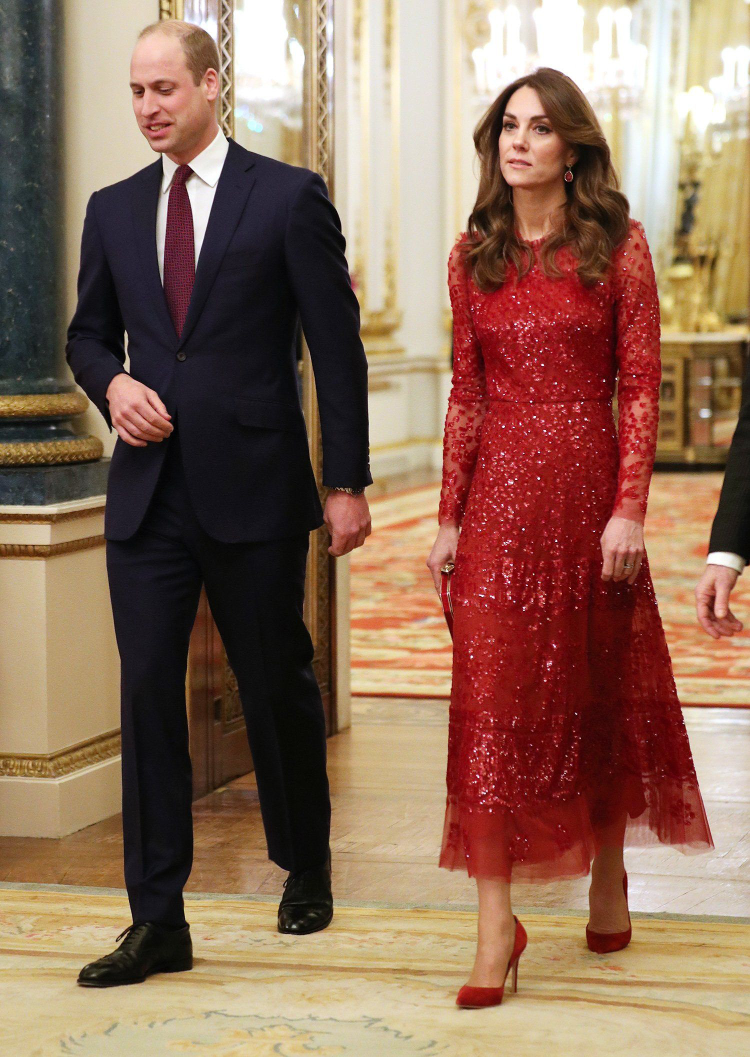Đến chuyện diện đồ xuyệt tông với chồng mà Kate Middleton cũng tinh tế hết mực, quả không hổ danh là Công nương quốc dân 0