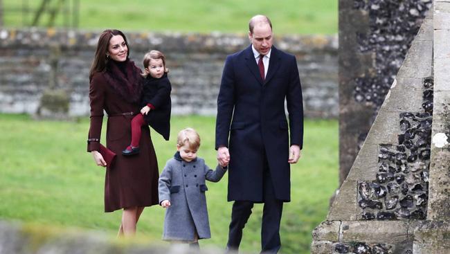 Tông màu rượu vang chính là sợi dây liên kết giữa vợ chồng William và Kate.